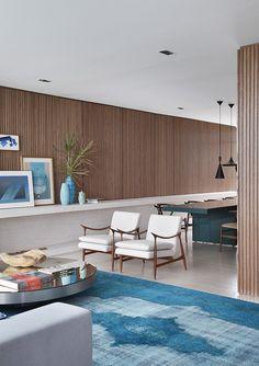 New living room wood furniture decor Ideas Mid Century Living Room, New Living Room, Home And Living, Living Room Decor, Dining Room, Mid-century Interior, Home Interior Design, Stylish Interior, Interior Plants