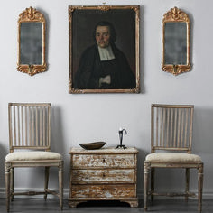 Antique French and Gustavian chairs - Swedish Decor Swedish Interior Design, Swedish Interiors, Swedish Decor, Swedish Style, French Interiors, Design Interiors, Scandinavian Furniture, Scandinavian Design, Design Entrée