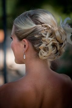 Tight curls pin back. Wedding Hairstyle