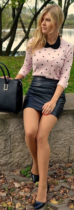 sexy pantyhose and nylons - Bing Nylons, Tan Pantyhose, Nude Tights, Short Skirts, Mini Skirts, Pantyhosed Legs, Leather Dresses, Leather Skirts, Pumps