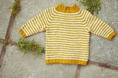 Vibelig: strikking Knitting For Kids, Baby Knitting, Crochet Baby, Knit Crochet, Yarn Inspiration, Little Ones, Kids Outfits, Baby Boy, Sewing