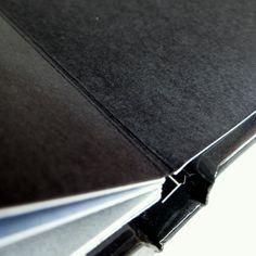 Ślub. Fotoksiążka izziBook Premium z dodatkową czarną wyklejką otwierającą i zamykającą album