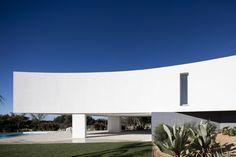 Gallery of House in Alcalar / Vitor Vilhena Arquitectura - 16