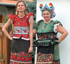 Hungarian Embroidery Hungarian folk motif from Matyo Folk Costume, Costume Dress, Folklore, Costumes Around The World, Art Populaire, Hungarian Embroidery, Ethnic Fashion, World Cultures, Traditional Dresses