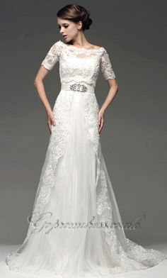 Sleeved wedding dresses. My favorite look for a bride.