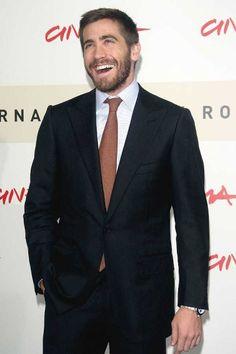 Bewegtes HollywoodWie hält Jennifer Lopez ihren berühmten Popo in Form? Wie trainiert Hugh Jackman sein Sixpack? Und mit wem arbeitet