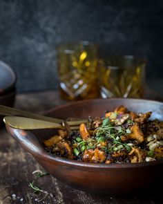 Mushroom & quinoa bowl. http://www.jotainmaukasta.fi/2016/10/26/sieni-kvinoakulhoruoka/