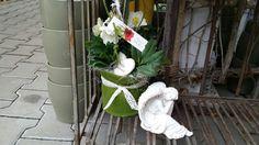 Blumen Markus in St. Georgen -   Allerheiligengestecke 2015 Ladder Decor, Home Decor, Flowers, Dekoration, Decoration Home, Room Decor, Home Interior Design, Home Decoration, Interior Design