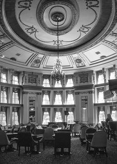 Architecture - The Palm Room in the Fort Garry Hotel Winnipeg MB [OC] [2048 x 1454]