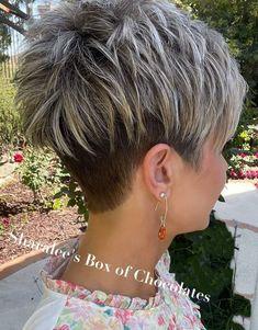Short Hair Back, Short White Hair, Pixie Haircut For Thick Hair, Funky Short Hair, Short Choppy Hair, Short Hairstyles For Thick Hair, Mom Hairstyles, Haircuts For Fine Hair, Short Hair With Layers
