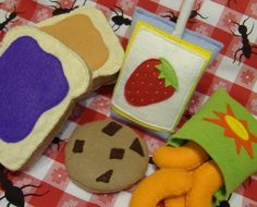 Felt Food Pattern Peanut Butter and Jelly Lunch PDF Pattern. $5.99, via Etsy.