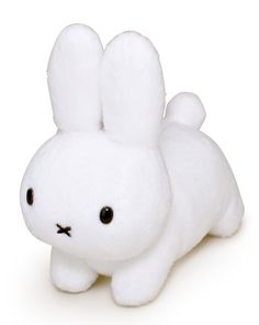 I know this is a plush bunny but I think it would make a cute fondant bunny.