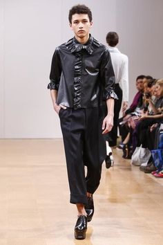 A 9am slot on the second day of London Collections : Men could mean two things; either there was little choice or that the label is indeed very privileged. A colleague at the show concurred wi...