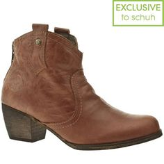 Want to wear these boots in the beach pod - maybe the Hemingway combo will give me special powers?