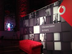 #sofaideas #sofa #red #events #photocall #eventspace #style
