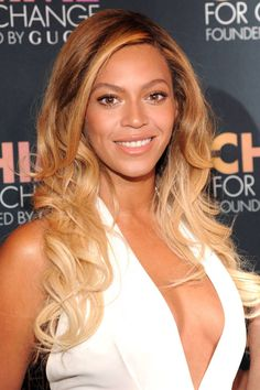 Beyonce's beauty look for a fresh summer feel. Click here for more beauty tips.