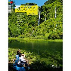 """""""Açores - Ilha-a-Ilha"""". Os Açores, nove pontos verdes na imensidão do Oceano Atlântico, são hoje considerados um dos melhores destinos para a observação de cetáceos a nível mundial. As límpidas águas dos seus mares, abundância de alimento, ausência de poluição à larga escala e a protecção legal dada aos cetáceos, tornam os Açores num verdadeiro santuário para 24 diferentes espécies."""
