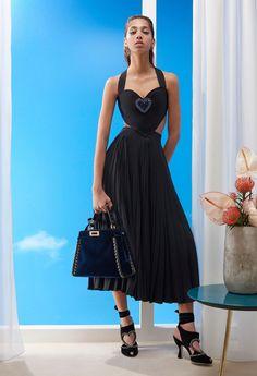 Vogue Fashion, Fashion Week, Teen Fashion, Fashion Black, Fashion Ideas, Style Couture, Couture Fashion, Italian Outfits, Autumn Fashion 2018