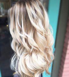 Rooted Creamy Blonde. #cassiemichellehair #seattlehair #bellevuehair #issaquahhair #balayage #seattlebalayage #seattleblonde #sombre #livedincolor #livedinhair #lahair #nyhair #boisehair #utahhair #scottsdalehair #oribeobsessed #wellablonde