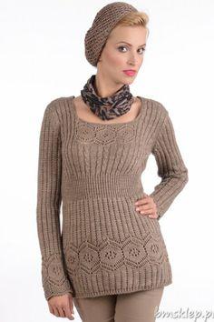 Najnowsza propozycja marki MKM – specjalnie na nadchodzący sezon jesień/zima. Ciepły, dłuższy, dzianinowy sweterek ozdobiony dodającymi lekkości ażurami. Dekolt okrągły. Rękaw długi. Ciekawa faktura pionowych prążków przełamana jest geometrycznymi wzorami na biodrach, dekolcie i rękawach. Talia zaakcentowana ściągaczem. Sweterek idealny na każdą nadarzającą się okazję, spotkanie i wyjście do pracy... #Swetry - http://bmsklep.pl/mkm-kora
