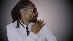 Whoa! Snoop Dogg TOTALLY Sexually Harassed This Camerawoman — Watch HERE!