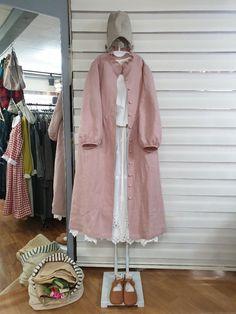 Iranian Women Fashion, Turkish Fashion, Japanese Fashion, Niqab Fashion, Frock Fashion, Fashion Dresses, Casual Hijab Outfit, Casual Skirt Outfits, Small Girls Dress