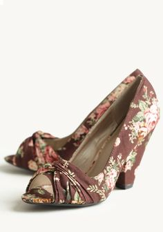 Dear Kind Stranger, Please buy these and send them to me. Size 5 1/2, please.    Thanks.