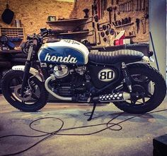 "828 Likes, 14 Comments - Wayne (@_movingshadow_) on Instagram: ""Honda #cx500. Built By: Cardsharper Customs"""