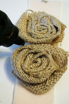 burlap rosettes with tutorial and even a video