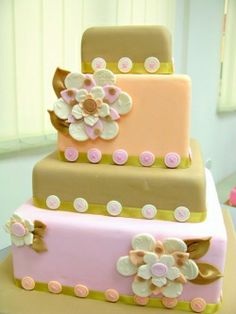 Button Themed Wedding Cakes