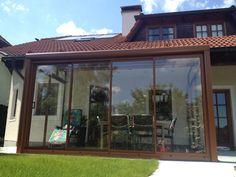 Glasschiebetüren für Terrasse - Wintergartenbauer Schmidinger Sliding Glass Door, Aquarium, House Design, Doors, Patio, Summer Garden, Windows And Doors, Design For Home, Projects