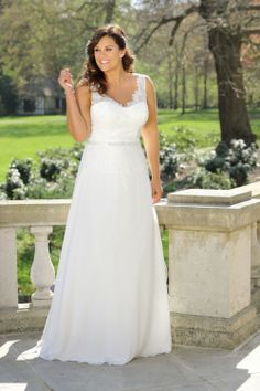 Looking for a plus size wedding dress? Ladybird Plussize collection offers sexy and elegant plus size wedding dresses in various designs and colours Plus Wedding Dresses, Western Wedding Dresses, Long Sleeve Wedding, Wedding Dress Sleeves, Princess Wedding Dresses, Plus Size Wedding, Bridal Dresses, Wedding Gowns, Wedding Venues
