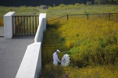 A Navy honor guardsman prepares a wreath at the Flight 93 National Memorial site in Shanksville, Pa. (Jeff Swensen / Getty Images)