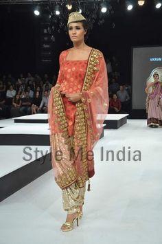 Beautiful Salwaar #Kameez by Vikram Phadnis http://www.vikramphadnis.com/ at BPFT 2012 in Mumbai