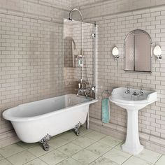 Burlington Hampton Shower Bath 1700 x RH Freestanding The Hampton Shower Bath from Burlington poses a stylish solution to an old problem. Combining the stature and style of a freestanding bath with the practicality of a shower bath, the Hampton can Freestanding Bath With Shower, Clawfoot Tub Shower, Shower Over Bath, Glass Shower, Edwardian Bathroom, Victorian Style Bathroom, 1930s Bathroom, Victorian Mirror, Bad Inspiration