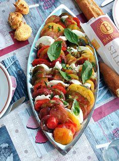 Food Porn Diary • Colourful Tomato & Mozzarella Salad with Black...