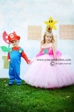 Princess Peach Costume by YourSparkleBox Brother Sister Costumes, Brother Sister Halloween, Princess Peach Party, Princess Peach Dress, Mario And Princess Peach, Princesa Daisy, Family Costumes, Cute Kid Costumes, Tulle Costumes