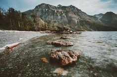 Via alcyere http://alcyere.tumblr.com/post/126258785931/corwinprescott-the-rising-lands-glacier