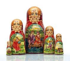 poupee russe: Nested doll - une vieille poupée de main d'?uvre nationale russe.