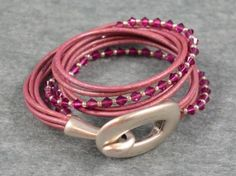 Pulsera doble de cuero rosa con cristales de swarovski y cierre de hebilla