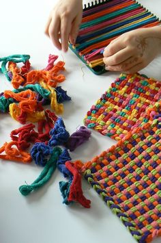 "Potholders made from t-shirt ""yarn"". Finally a practical use for my old t-shirts. Potholders made from t-shirt yarn. Finally a practical use for my old t-shirts. Diy And Crafts, Crafts For Kids, Arts And Crafts, Tee Shirt Fila, Tapetes Diy, Potholder Loom, Tshirt Garn, Craft Projects, Craft Ideas"