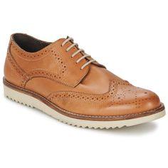 Zapatos para hombre. El modelo Bromwich es uno de los más populares en la gama urbana de la marca Lotus. La marca firma un zapato de calidad, con acabados impecables con un exterior en piel, un forro en textil, una plantilla en cuero y una suela en sintético. Decididamente, tiene todo para conquistar a los hombres. Zapatoshombre