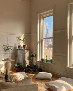 Pinned by @tianagidley My New Room, My Room, Dorm Room, Dream Apartment, Chicago Apartment, Apartment Goals, York Apartment, Studio Apartment, Aesthetic Room Decor