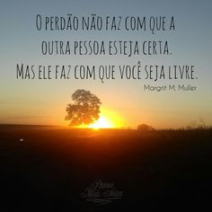 #Guarda #me #ó #Deus #porque #em #ti #confio ! #sol #pordosol #por #arvores #matogrossodosul #poente #nascente #estrada #linda #semnuvem #nuvem #princesaamodaantiga #princesa #amor #life #noiva #promessa #cumprir #antigo #antiga #moda #flowers #flores #teamo Celestial, Sunset, Outdoor, Old Fashion, High Road, Cloud, Wedding Bride, Dios, Sun