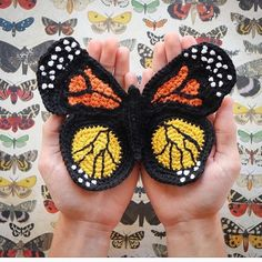 Easy And Glamour Crochet butterfly for Granny square New Skills; crochet butterfly free pattern; crochet butterfly blanket; crochet butterfly applique #knitting #knittingpatterns #crochetpatterns #stricken #häkeln #tricot #manualidades #artesanato #tejidos #ganchillo #crochetbutterfly