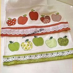 Crafts & Cia: Dish Cloths with apples appliques Applique Tutorial, Applique Patterns, Applique Designs, Quilt Patterns, Embroidery Designs, Sewing Patterns, Applique Towels, Applique Quilts, Embroidery Applique