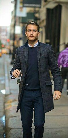 сочетание мужского пальто с брюками