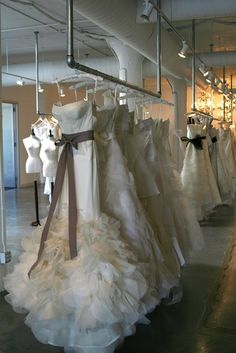 l'atelier couture salon. why wasn't this place around when I got married?!