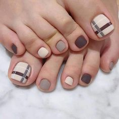To show off some beautiful feet, see these 50 designs pedicure. Regardless of the day, season or occasion, feet always . Pedicure Designs, Manicure E Pedicure, Toe Nail Designs, Pretty Toe Nails, Cute Toe Nails, Toe Nail Color, Toe Nail Art, Feet Nail Design, Sea Nails