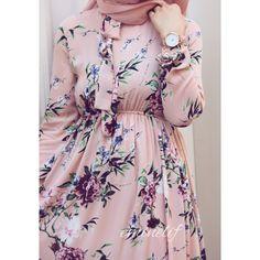 PINTEREST: Bishara Modern Hijab Fashion, Muslim Women Fashion, Arab Fashion, Stylish Dresses For Girls, Modest Dresses, Casual Dresses, Hijab Style Dress, Hijab Chic, Mode Abaya